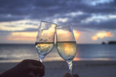 יין לבן תוסס